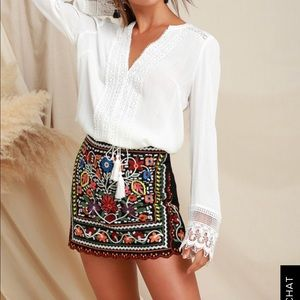 NWT• Lulu's Embroidered Skirt